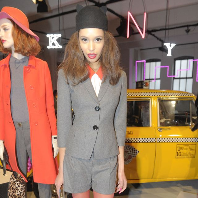 Shoulder, Hat, Outerwear, Style, Headgear, Costume accessory, Dress, Fashion, Sun hat, Thigh,