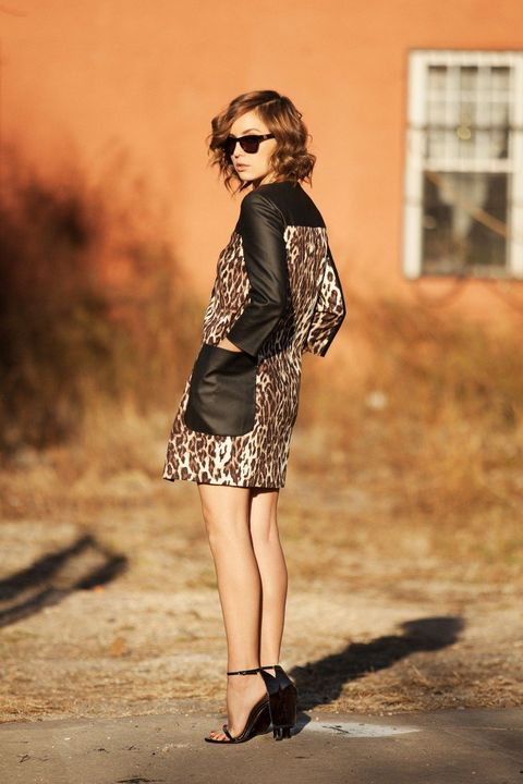 Clothing, Eyewear, Brown, Sunglasses, Shoulder, Human leg, Style, Dress, Fashion accessory, Street fashion,