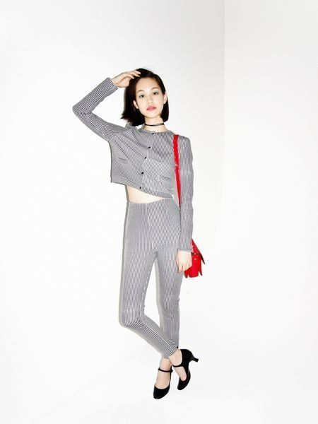 Sleeve, Shoulder, Style, Collar, Knee, Pattern, Fashion illustration, Fashion model, Street fashion, High heels,