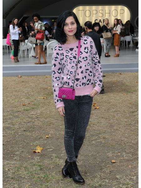 Clothing, Footwear, Leg, Trousers, Textile, Outerwear, Pink, Style, Street fashion, Street,