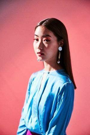 Hair, Blue, Hairstyle, Shoulder, Electric blue, Photo shoot, Neck, Photography, Long hair, Portrait,