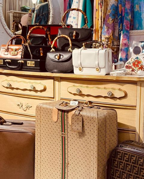 Textile, Bag, Luggage and bags, Baggage, Market, Home accessories, Shoulder bag, Collection, Cabinetry, Leather,