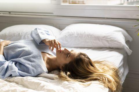 Comfort, Shoulder, Textile, Room, Bedding, Linens, Bedroom, Bed sheet, Sleep, Bed,