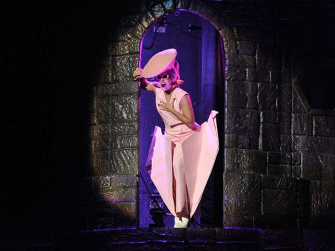 Hat, Purple, Stage, Drama, heater, Acting, Violet, Sun hat, Scene, Costume,