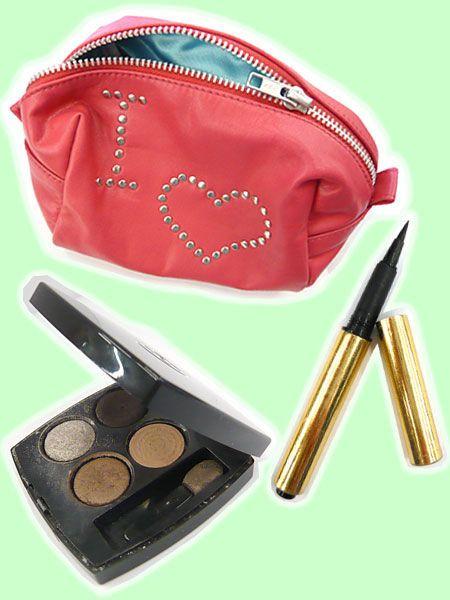 Brown, Carmine, Stationery, Maroon, Cosmetics, Brush, Pen, Eye shadow, Makeup brushes, Lipstick,