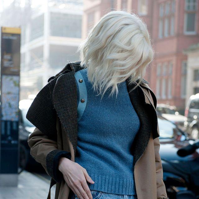 Blue, Textile, Street fashion, Azure, Electric blue, Thigh, Denim, Blond, Bag, Waist,