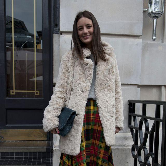 Plaid, Tartan, Textile, Photograph, Pattern, Style, Street fashion, Beige, Maroon, Fur,