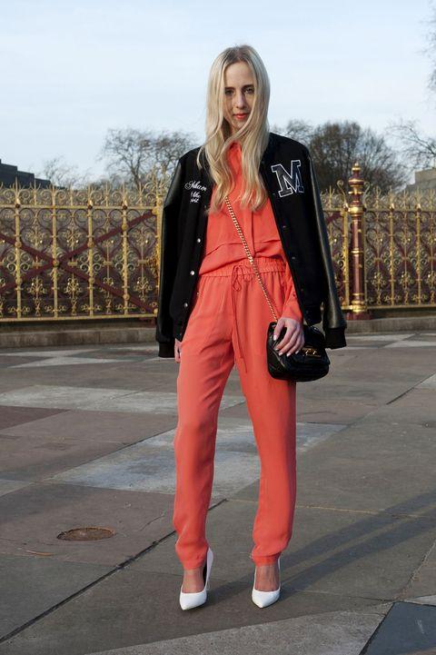 Clothing, Sleeve, Textile, Bag, Outerwear, Coat, Style, Street fashion, Jacket, Fashion,