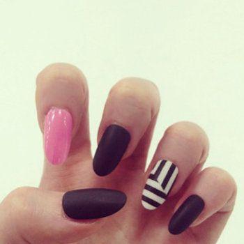 Finger, Skin, Nail, Nail care, Style, Nail polish, Grey, Manicure, Close-up, Thumb,