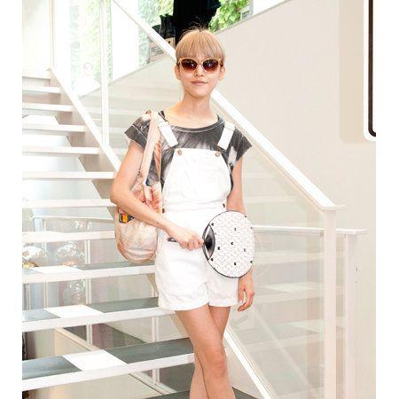 Clothing, Dress, Product, Sleeve, Human leg, Shoulder, Shoe, Joint, White, Style,