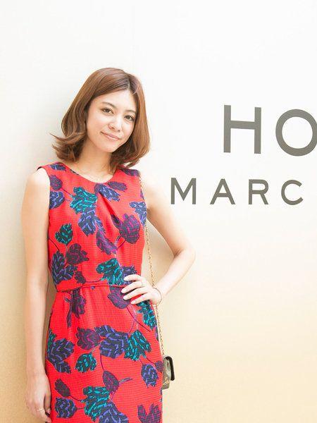 Clothing, Sleeve, Dress, Shoulder, One-piece garment, Style, Day dress, Pattern, Waist, Fashion model,