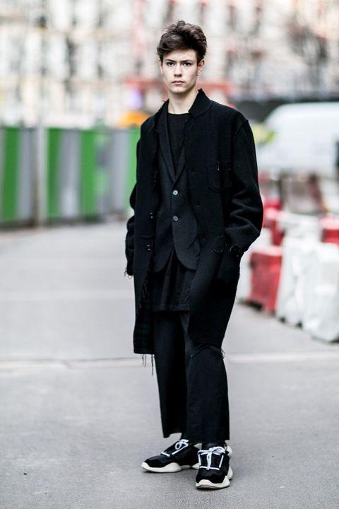 Clothing, Collar, Sleeve, Outerwear, Style, Coat, Street fashion, Formal wear, Blazer, Fashion,