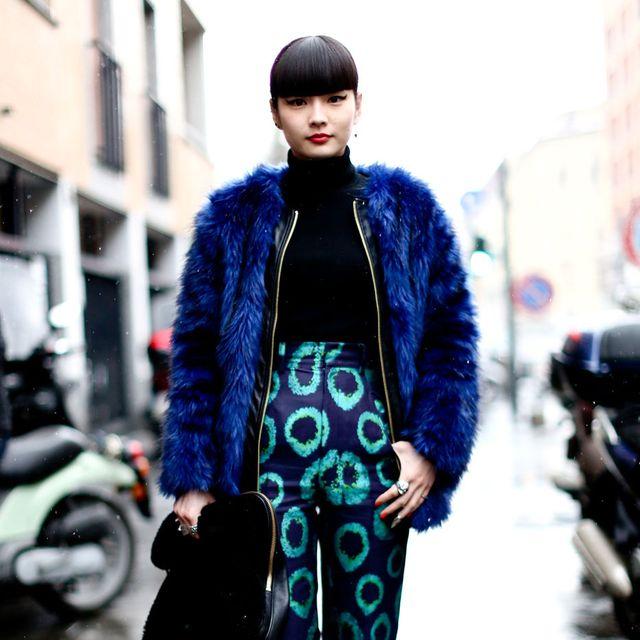 Clothing, Textile, Outerwear, Fashion accessory, Winter, Style, Street fashion, Fender, Bag, Street,