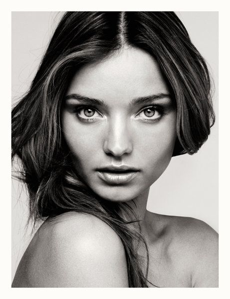 Lip, Eye, Hairstyle, Chin, Forehead, Shoulder, Eyebrow, Eyelash, Style, Iris,
