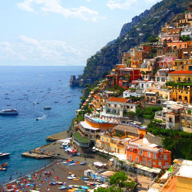 Town, Coast, Sea, Tourism, Human settlement, Coastal and oceanic landforms, Village, Vacation, Bay, City,