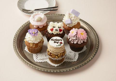 Cupcake, Cake, Food, Buttercream, Dessert, Baking cup, Sweetness, Icing, Cuisine, Baking,