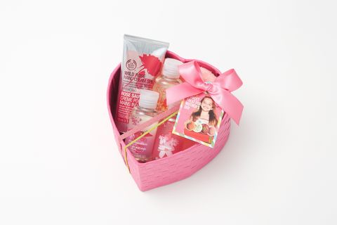 Pink, Ribbon, Magenta, Present, Party supply, Party favor, Gift wrapping, Wedding favors, Confectionery, Dessert,