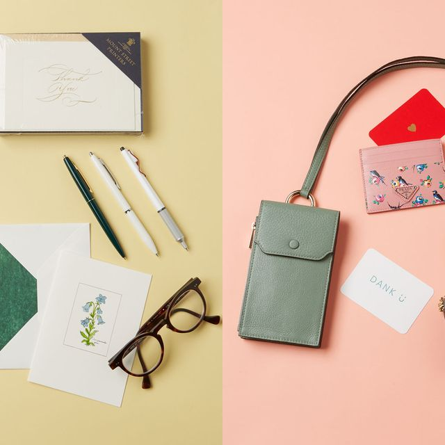 Eyewear, Vision care, Bag, Eye glass accessory, Shoulder bag, Tan, Paper product, Leather, Everyday carry, Stationery,
