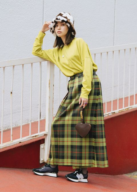 Sleeve, Shoe, Tartan, Plaid, Textile, Pattern, Style, Fashion, Headpiece, Street fashion,