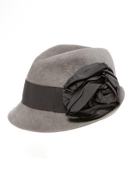 Hat, Headgear, Costume accessory, Fashion accessory, Beige, Fedora, Costume hat, Bonnet, Sun hat, Cricket cap,