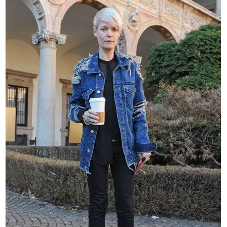 Clothing, Denim, Textile, Outerwear, Jacket, Style, Street fashion, Arch, Electric blue, Leather,