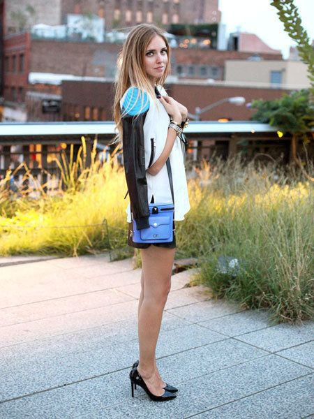 Human leg, Street fashion, Knee, Bag, Electric blue, Scarf, Spring, High heels, Long hair, Foot,