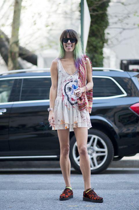 Clothing, Eyewear, Shoulder, Dress, Human leg, Shoe, Sunglasses, Style, Street fashion, Alloy wheel,