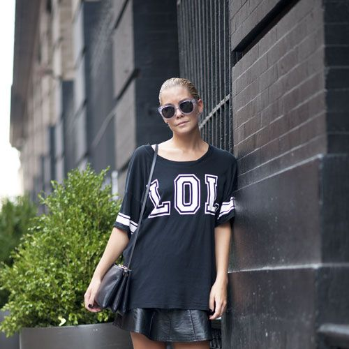 Clothing, Eyewear, Sleeve, Human leg, Flowerpot, Human body, Sunglasses, Shoulder, Joint, Style,