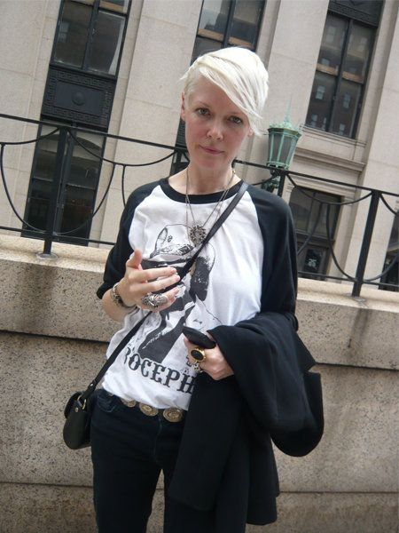 Sleeve, Bag, Street fashion, Luggage and bags, Camera, Handbag, Shoulder bag, Pocket, Belt,