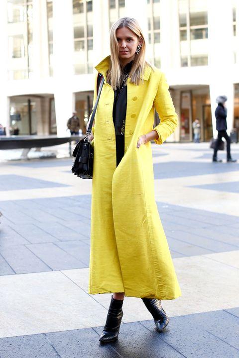 Clothing, Sleeve, Textile, Bag, Outerwear, Coat, Style, Street fashion, Street, Fashion,