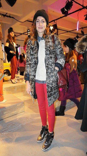 Leg, Winter, Outerwear, Style, Jacket, Street fashion, Fashion, Fashion show, Fashion model, Runway,