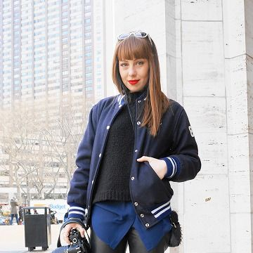 Clothing, Trousers, Textile, Outerwear, Bag, Denim, Style, Street fashion, Riding boot, Knee,