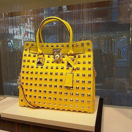 Bag, Shoulder bag, Luggage and bags, Tote bag, Shopping bag, Handbag, Label,