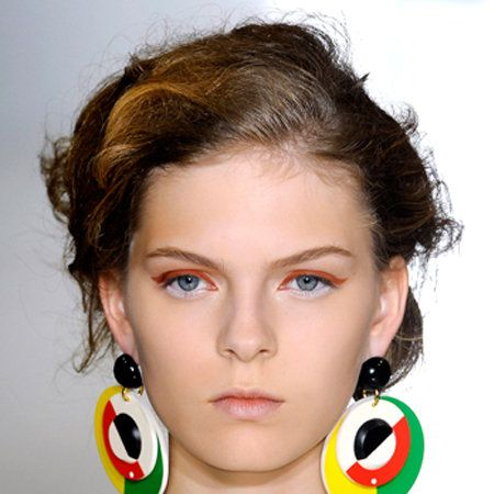 Ear, Earrings, Hairstyle, Chin, Forehead, Eyebrow, Eyelash, Fashion accessory, Style, Jewellery,