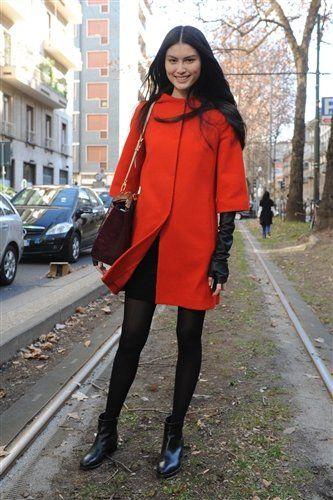 Textile, Outerwear, Human leg, Style, High heels, Street fashion, Street, Fashion, Alloy wheel, Tights,