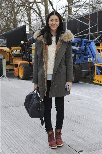 Clothing, Brown, Winter, Textile, Outerwear, Bag, Coat, Style, Fashion accessory, Street fashion,