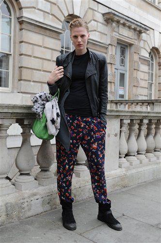Clothing, Window, Textile, Outerwear, Coat, Style, Street fashion, Jacket, Pattern, Bag,
