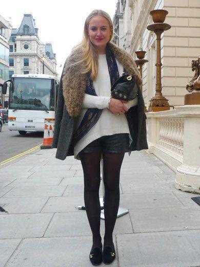 Textile, Outerwear, Style, Fashion accessory, Street fashion, Bag, Street, Jacket, Fashion, Knee,