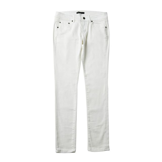 White, Clothing, Jeans, Trousers, Pocket, Active pants, Denim, Sportswear, Sleeve,