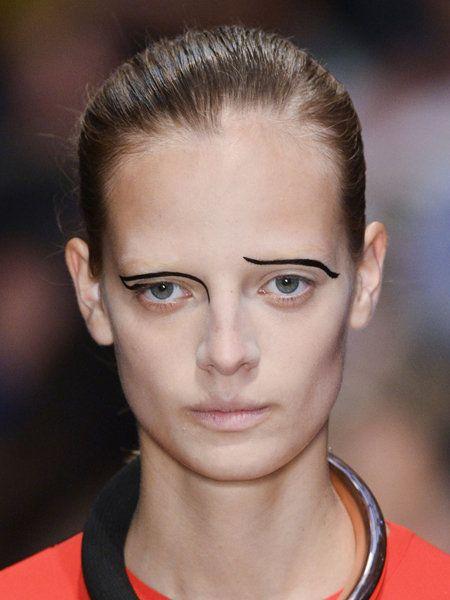Hair, Head, Ear, Lip, Hairstyle, Chin, Forehead, Eyebrow, Eyelash, Style,