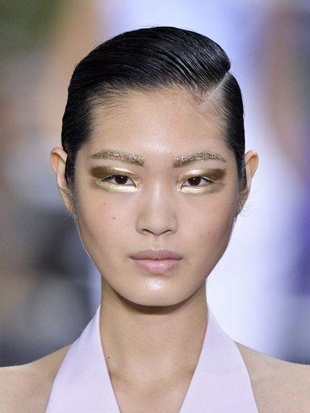 Ear, Lip, Hairstyle, Skin, Chin, Forehead, Collar, Eyelash, Shoulder, Eyebrow,