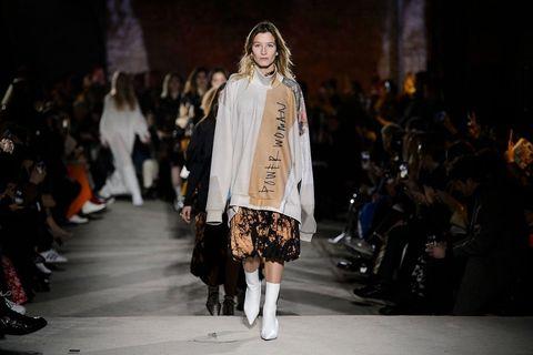 Fashion model, Runway, Fashion, Fashion show, Clothing, Street fashion, Fur, Fashion design, Outerwear, Public event,