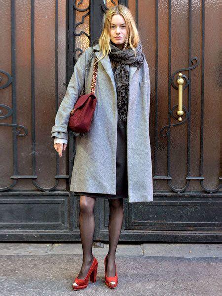Sleeve, Human leg, Style, Dress, Street fashion, Coat, Fashion, Scarf, Metal, Fur,