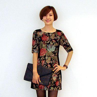 Clothing, Leg, Sleeve, Shoulder, Human leg, Joint, Dress, Style, Waist, Knee,