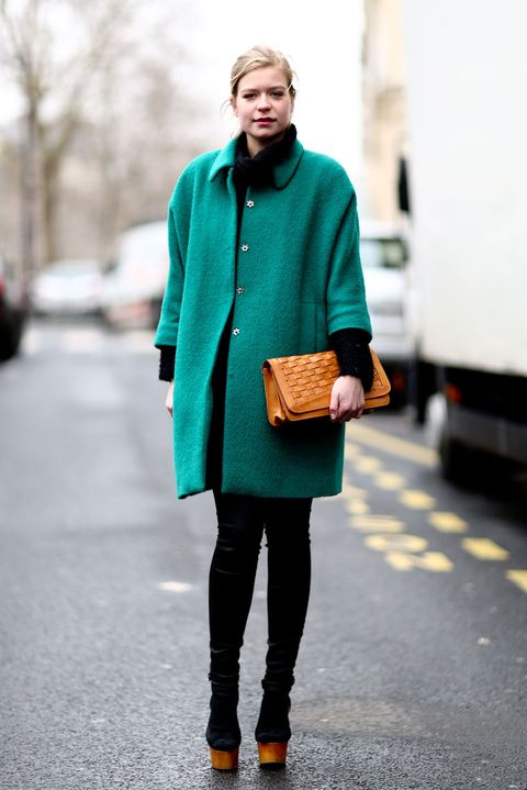 Clothing, Brown, Sleeve, Textile, Outerwear, Style, Street fashion, Bag, Collar, Fashion,