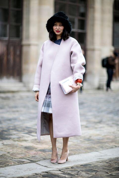 Sleeve, Textile, Coat, Outerwear, Winter, Style, Street fashion, Overcoat, Fashion, Bag,