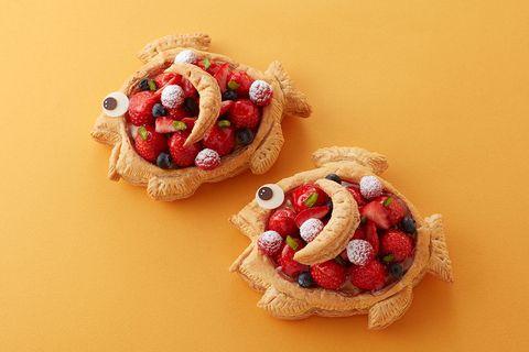 Food, Dish, Cuisine, Sweetness, Breakfast, Baked goods, Pastry, Dessert, Pâtisserie, Fruit,