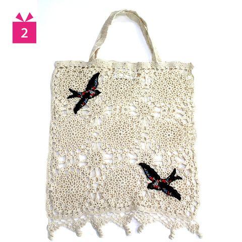 Bird, Carmine, Wing, Shoulder bag, Creative arts, Shopping bag, Illustration, Tote bag, Flight, Beak,