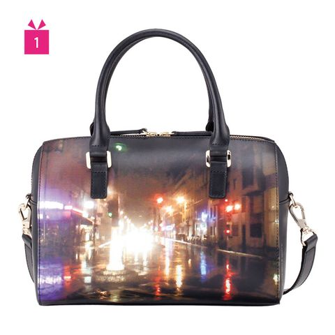 Product, Brown, Bag, Red, Amber, Light, Luggage and bags, Shoulder bag, Reflection, Material property,