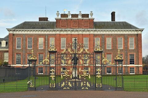 Building, Estate, Palace, Stately home, Architecture, House, Mansion, Manor house, Historic house, Listed building,